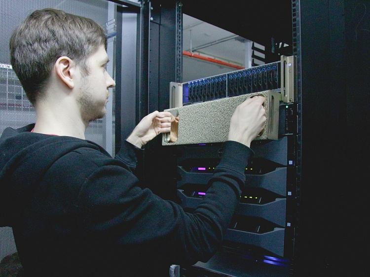 В Университете Иннополис установили Nvidia DGX-1 — самый мощный суперкомпьютер на базе графических процессоров